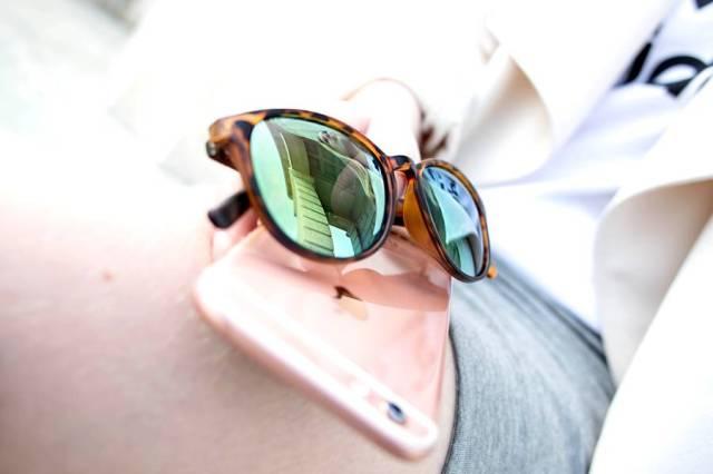 oliviasly_outfit_overknees_wickelrock_beige_adidas8