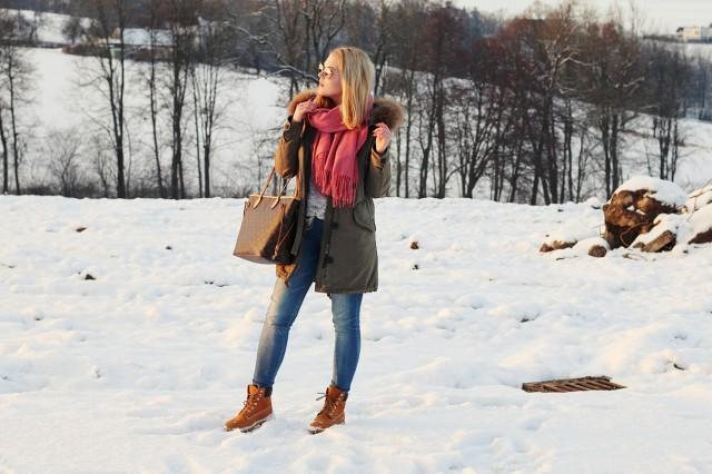 oliviasly_winterwonderland_outfit_parka_timberland_winter_fashion2