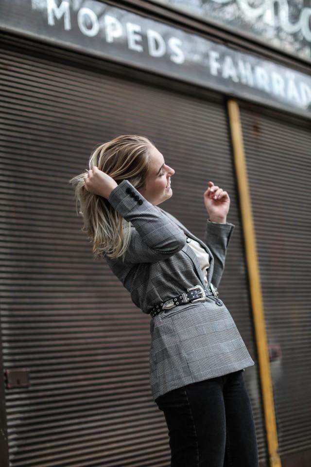 oliviasly_outfit_MQ_Vienna_Fashionweek_Karo_Blazer_style-13